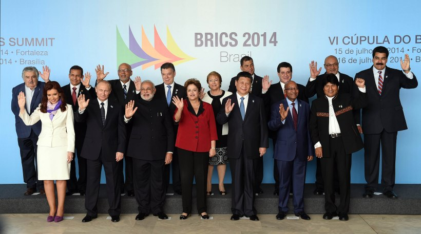 BRAZIL-BRICS-UNASUR-FAMILY PHOTOGRAPH